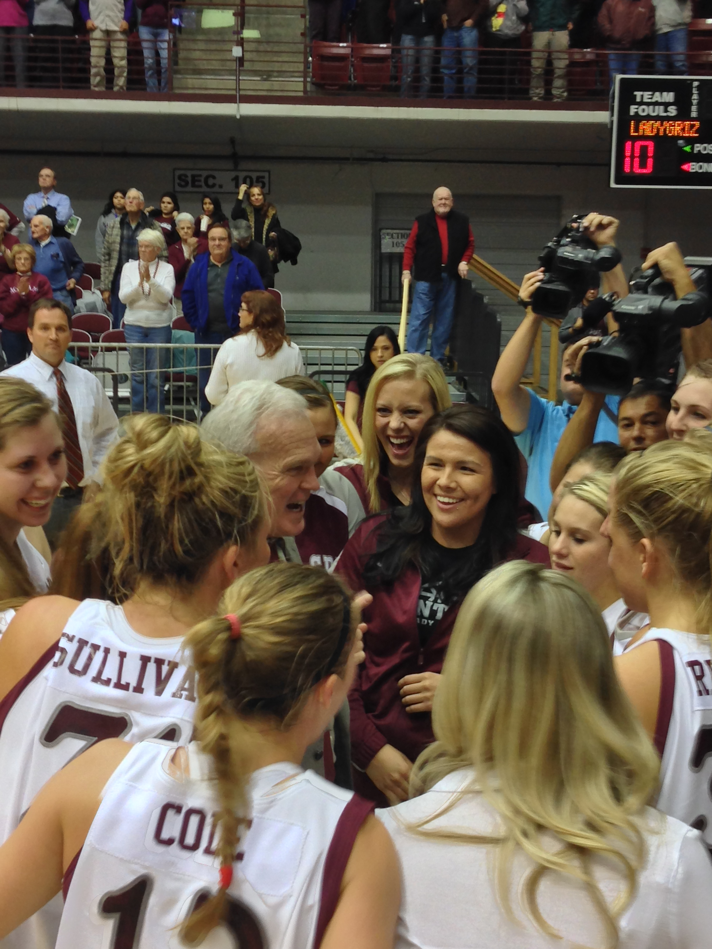 Coach Selvig spent a happy minute with his team in the huddle after winning his 800th game.