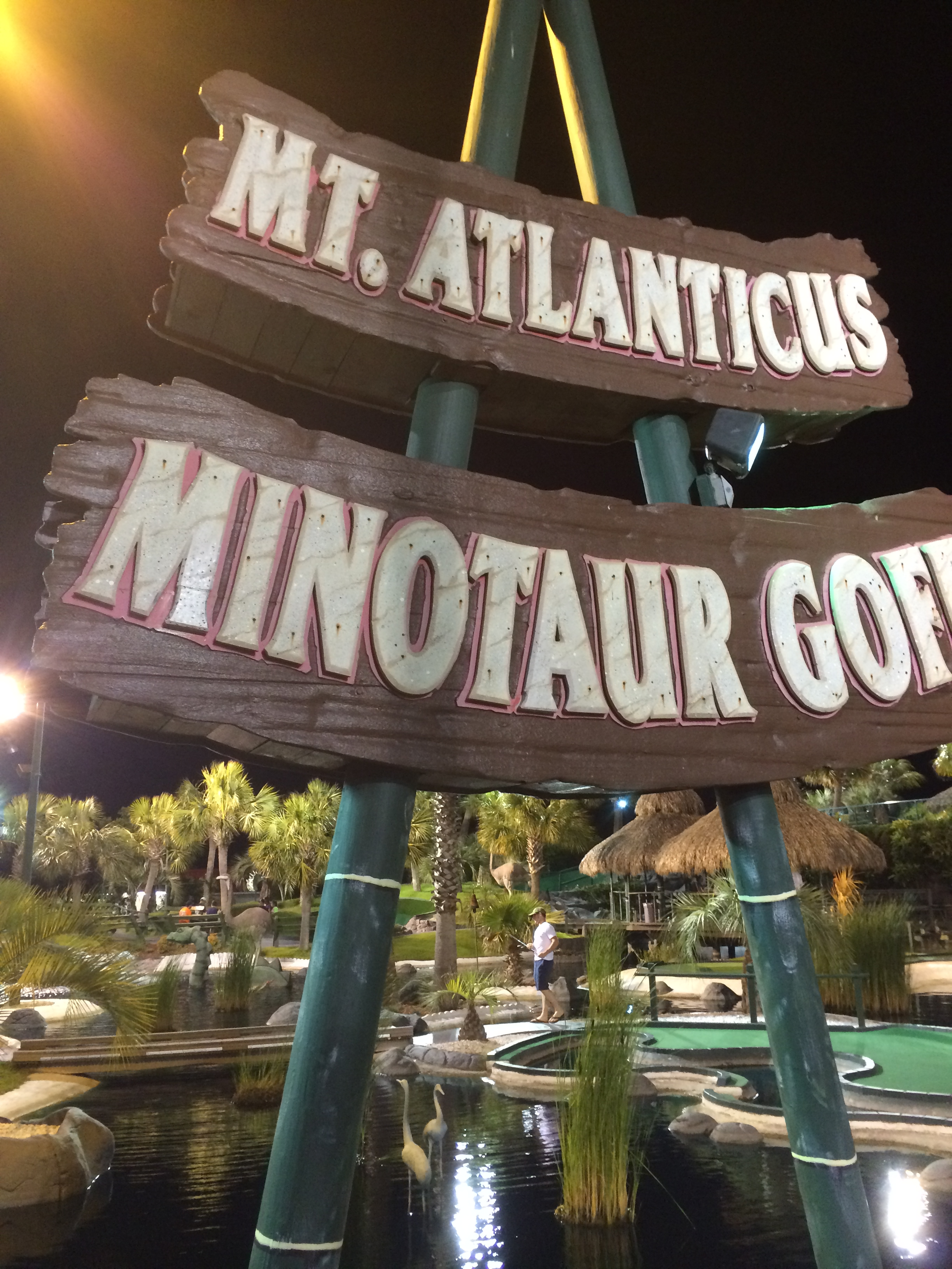 Last night my friend Sidney and I visited the Mt. Atlanticus Minotaur Goff course.