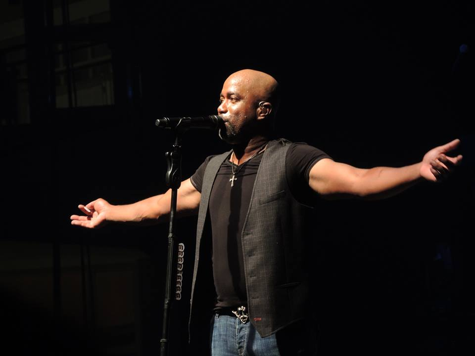 This is my favorite shot that I took of Darius Rucker during the concert.