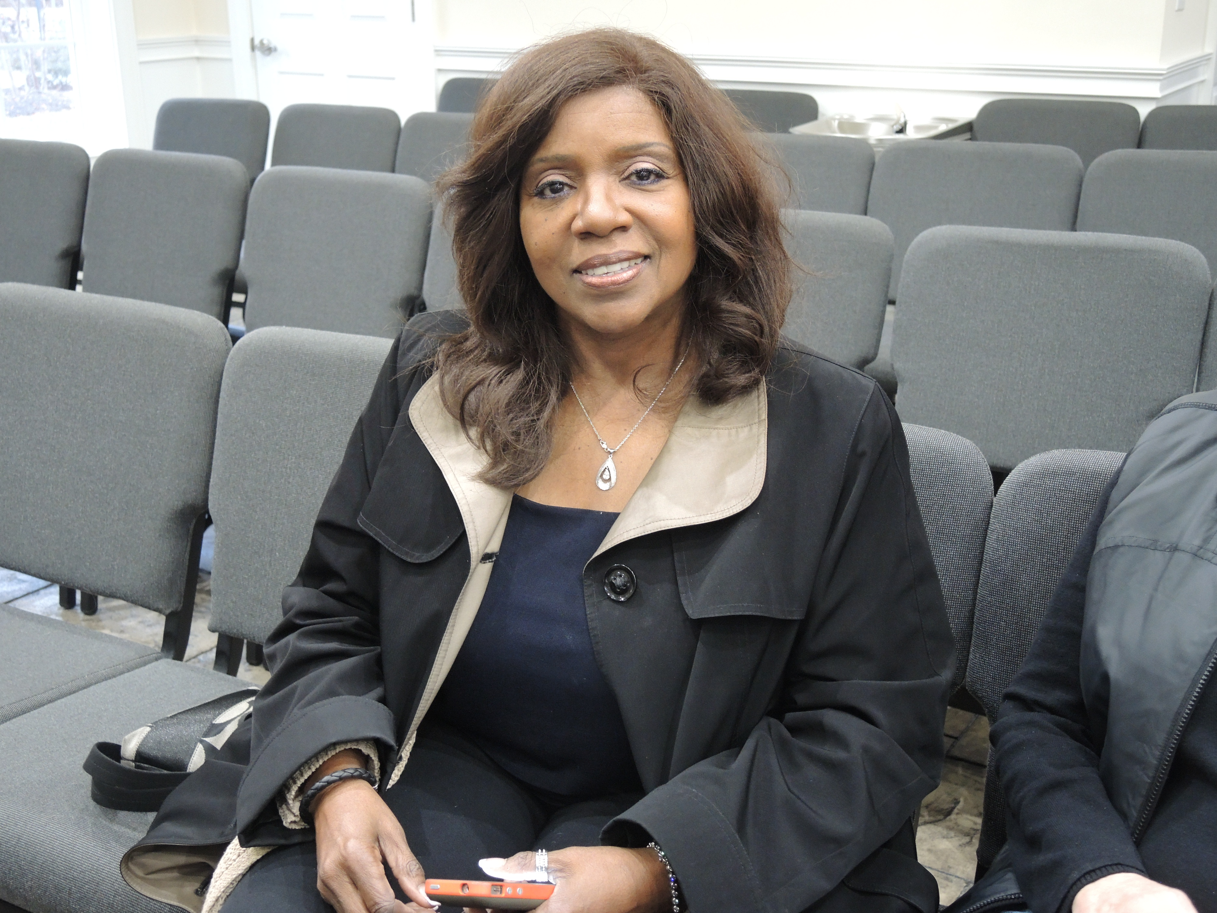 This is the photo I took of Gloria Gaynor before the practice started.