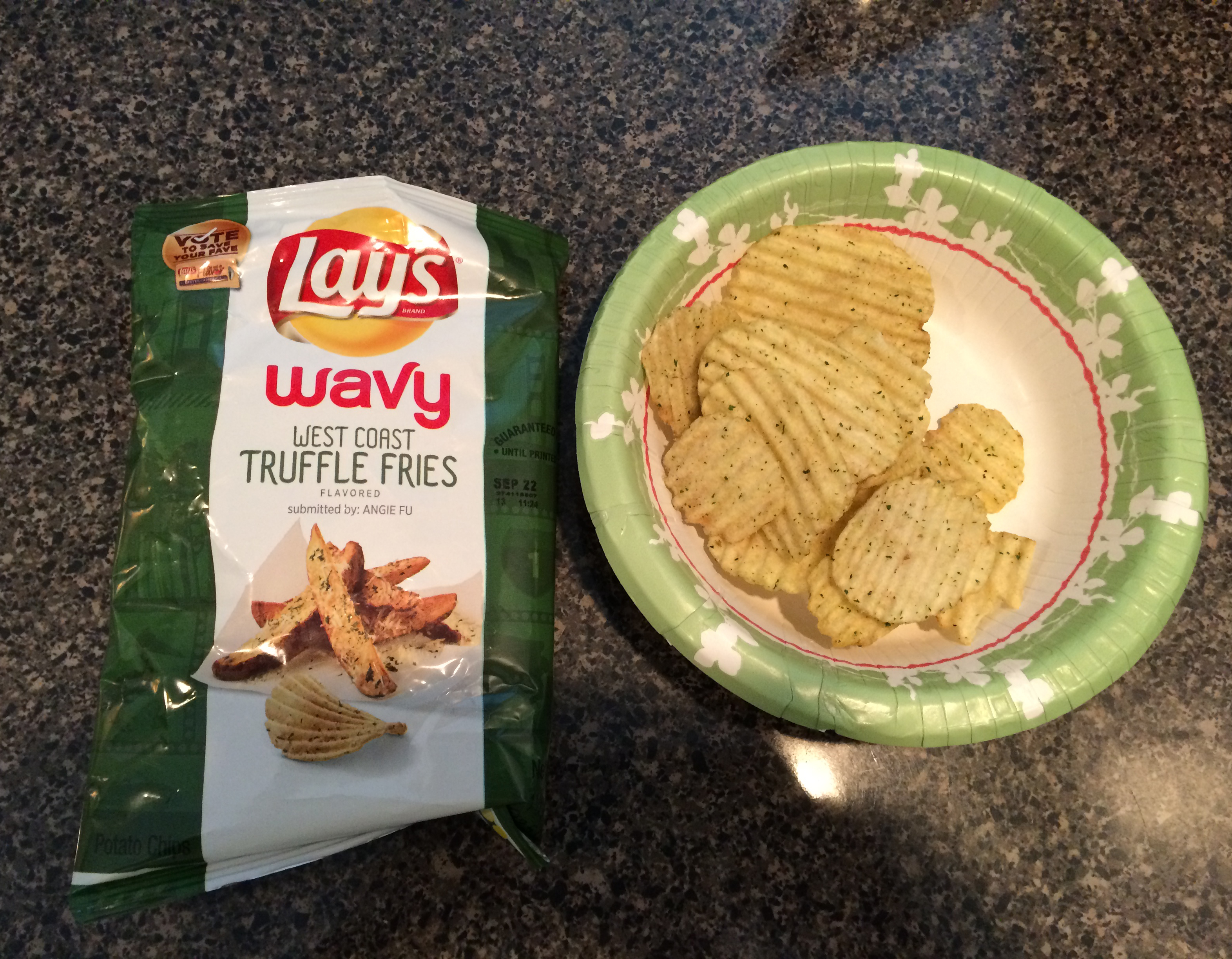 The #DoUsAFlavor West Coast Truffle Fries chips had a pleasant, authentic flavor. They are good for snacking.