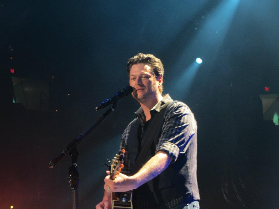 A photo I took of Blake Shelton where the zoom function wasn't necessary.