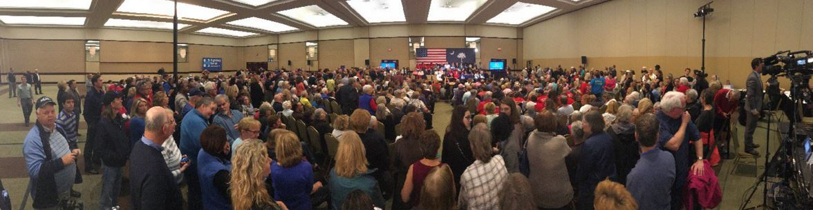 This panorama image was taken by a member of the local Myrtle Beach media right as I entered the venue. If you look to the very left you will see me with the gray and blue polo. I would push myself up directly behind the last row of chairs and enjoy a great view (photo courtesy of Meghan Miller of WBTW).