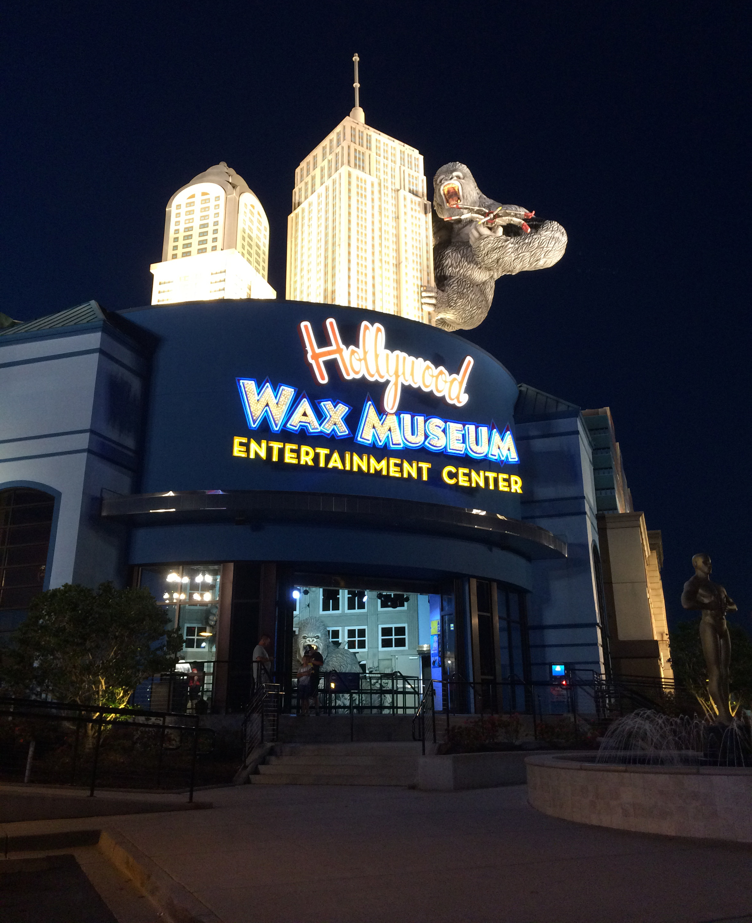 Before we walked inside on Friday night, I took this photo of the Hollywood Wax Museum.