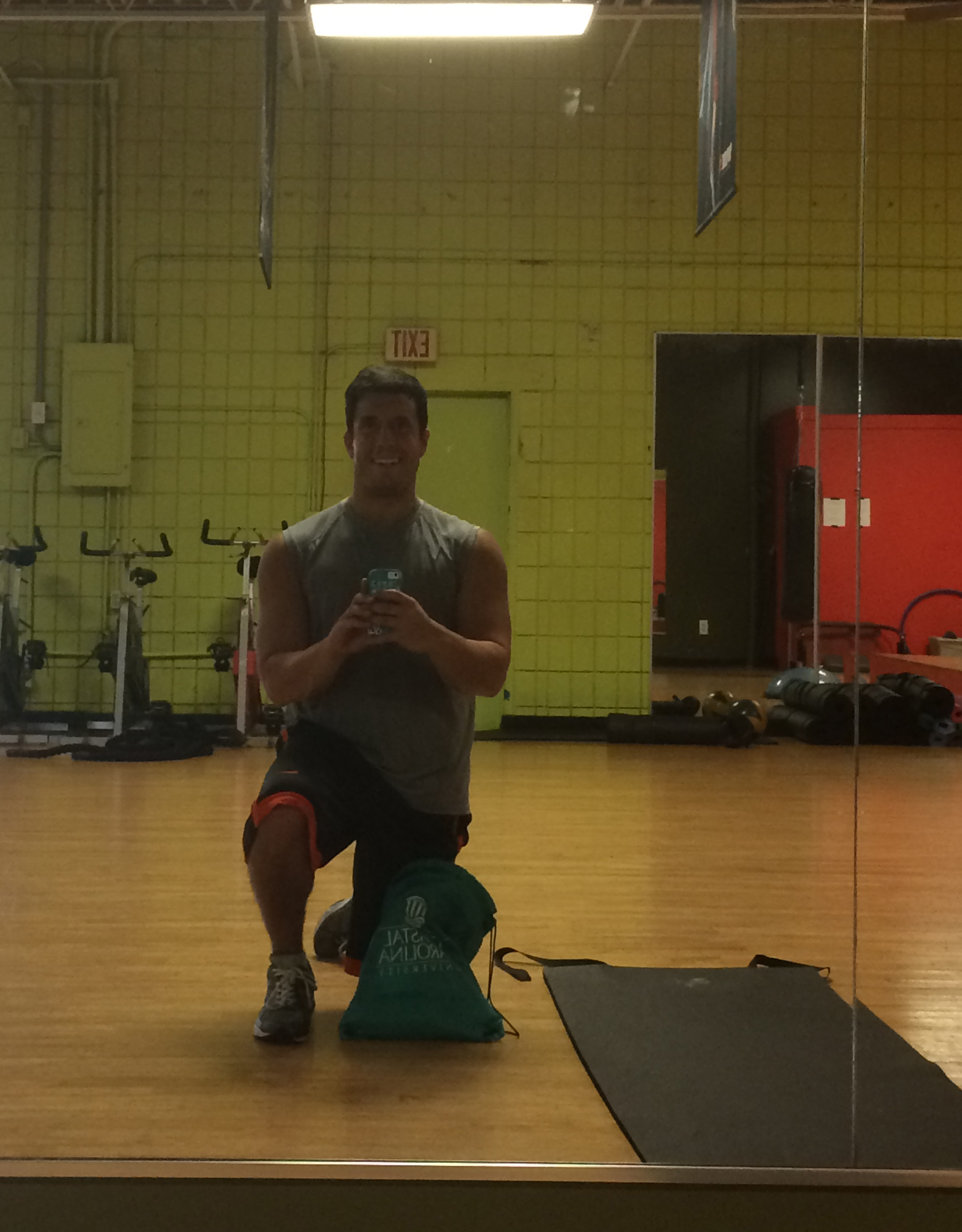 This is me taking a selfie inside the old school facilities of Gold's Gym this morning.